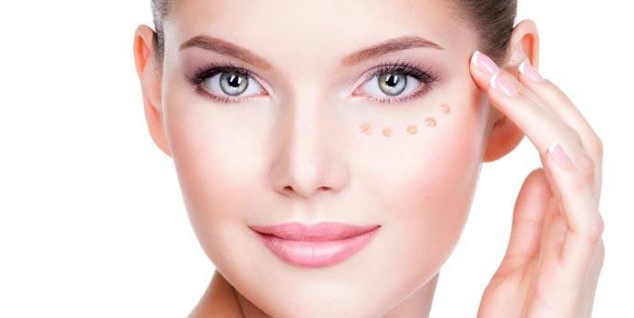 Migliore crema occhiaie: ingredienti principali